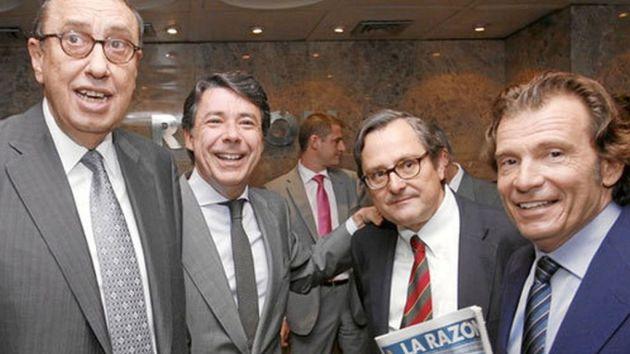 Mauricio Casals, presidente de La Razón, y su director, Francisco Marhuenda, junto a Ignacio González en un acto en su periódico