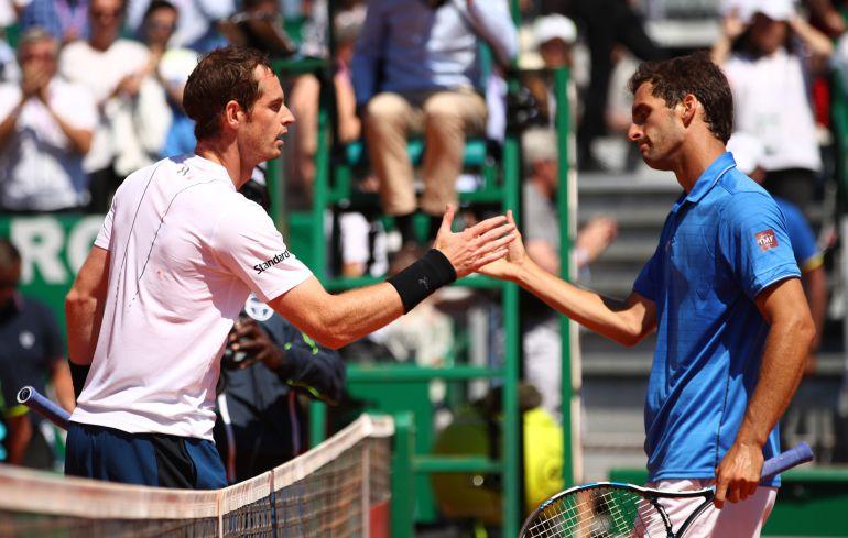Murray felicita a Albert Ramos al término del partido