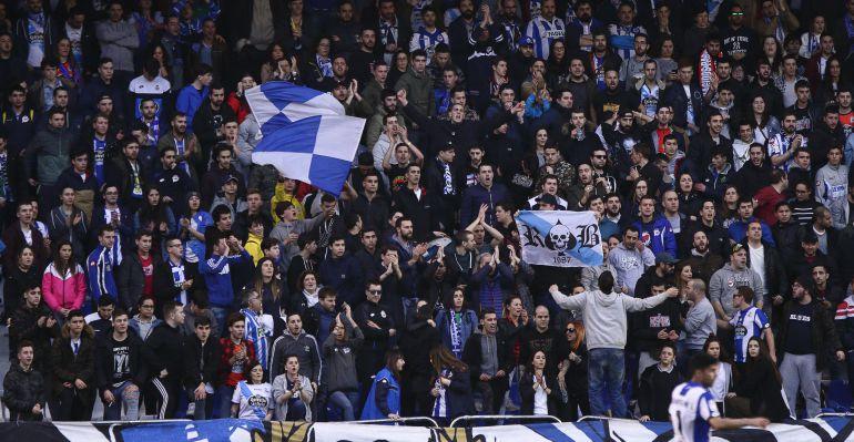Los Riazor Blues, durante un encuentro del Deportivo en Riazor