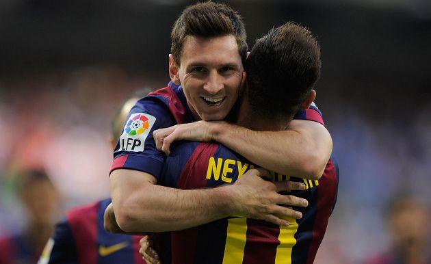 Messi y Neymar celebran un gol en el Santiago Bernabéu.