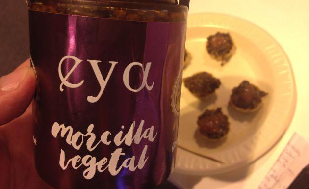 Ingredientes: cebolla, berenjena, aceite de oliva, especias, harina, frutos secos y sal.