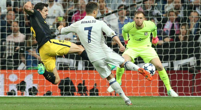 Cristiano Ronaldo, cara a cara ante Oblak.