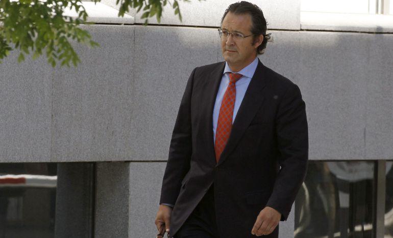 El diputado del PP en la Asamblea de Madrid Jesús Gómez, a su llegada a la Audiencia Nacional.