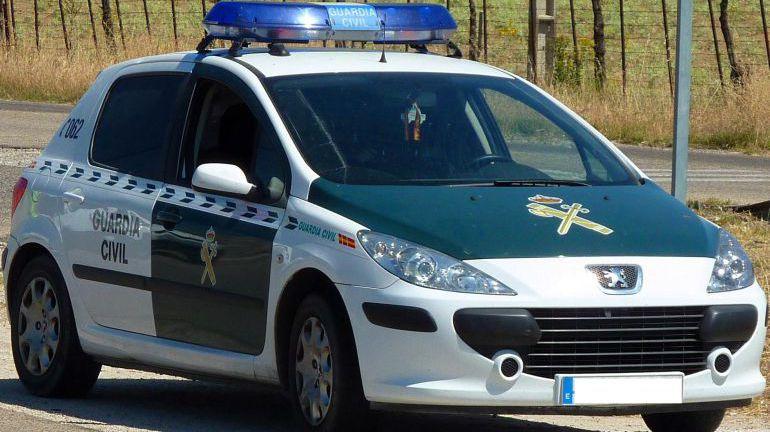 La Justicia expulsa de la localidad malagueña de Tolox a un guardia civil condenado por amenazar a un vecino