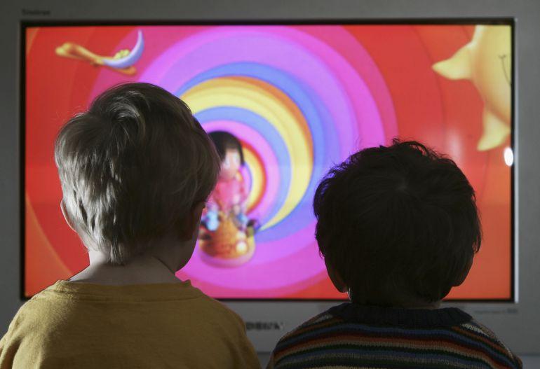 El papel educativo de la televisión no solo depende de los programas...