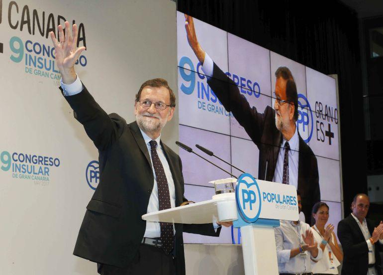 El presidente del gobierno, Mariano Rajoy, durante su intervención en la clausura del congreso insular del PP de Gran Canaria celebrado esta en Las Palmas