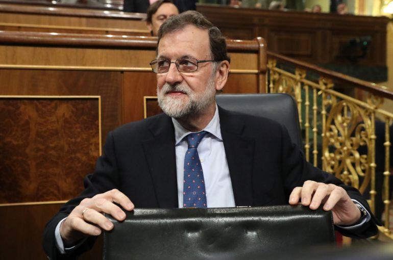 El presidente del Gobierno, Mariano Rajoy, a su llegada hoy al Congreso
