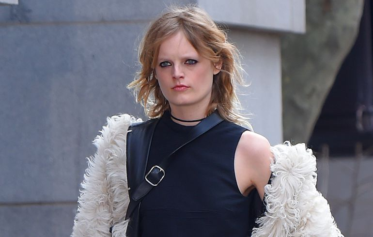 La modelo belga Hanne Gaby Odiele que confesó ser intersexual