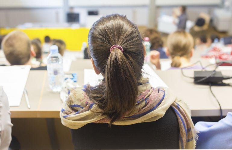 Los rectores y Educación ponen coto a los grados de tres años