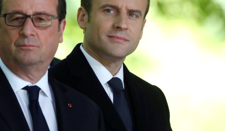Hollande lega a Macron una Francia herida por el terrorismo y dividida