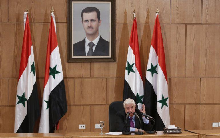 El ministro sirio de Asuntos Exteriores, Walid al Mualem, ofrece una rueda de prensa en Damasco, Siria