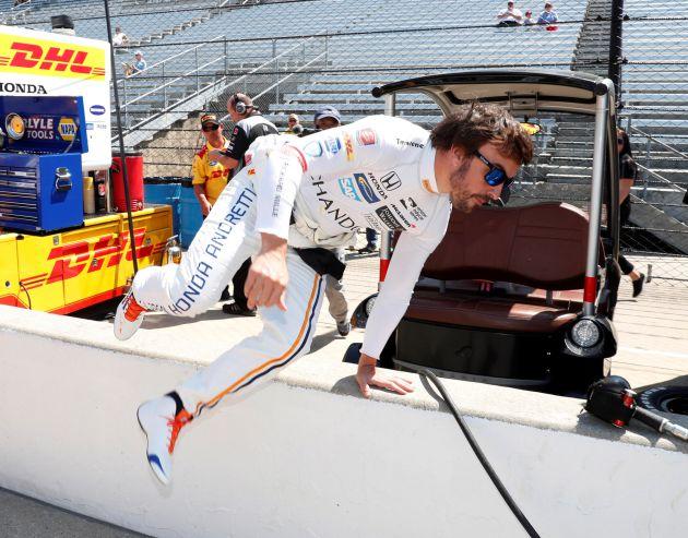 Fernando Alonso, durante los entrenamientos en Indianápolis
