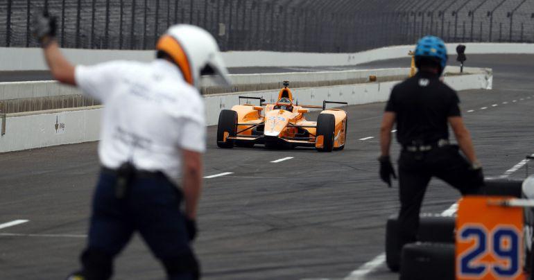 Fernando Alonso, en los entrenamientos de Indianápolis.
