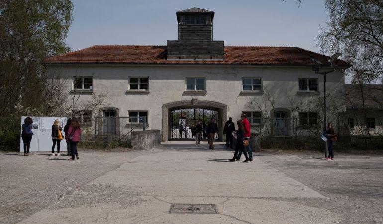 Vista exterior del memorial del campo de concentración de Dachau (Alemania).