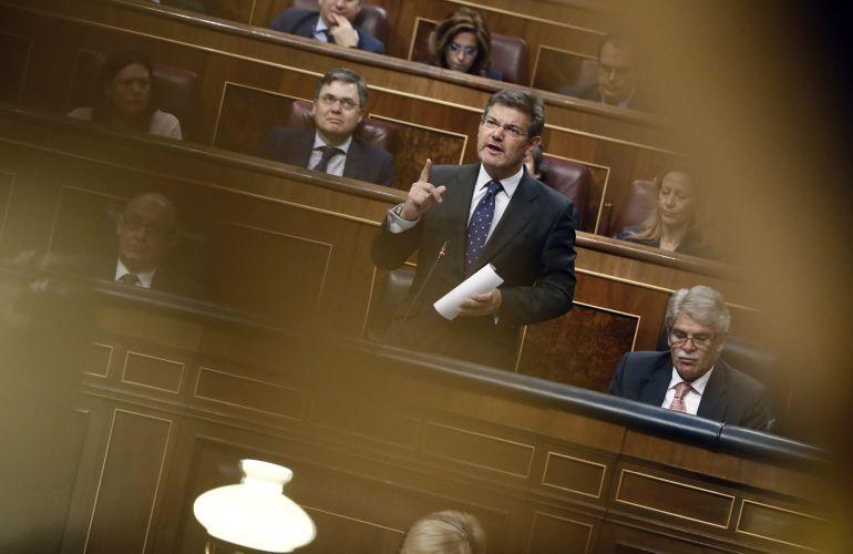 El ministro de Justicia, Rafael Catalá, interviene en la sesión de control al Ejecutivo celebrada hoy en el Congreso