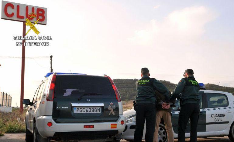 Agentes detienen a un atracador de un club de alterne en Cieza (Murcia) hace un año