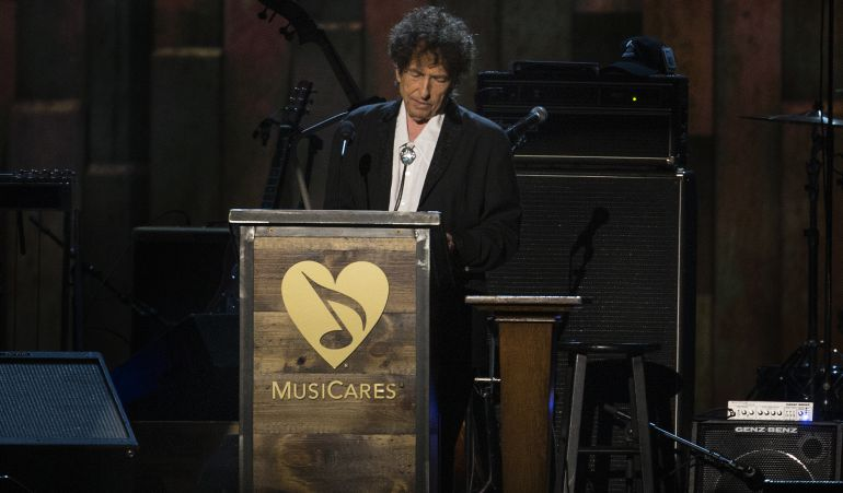 Bob Dylan recibiendo un premio a persona del año en el 2015