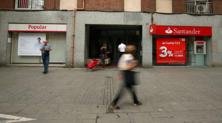 Preguntas y respuestas sobre la compra del popular por for Oficinas banco santander en barcelona