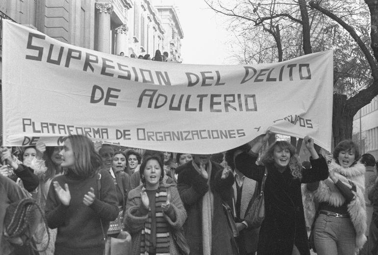 Manifestación contra el adulterio en Madrid en noviembre de 1977