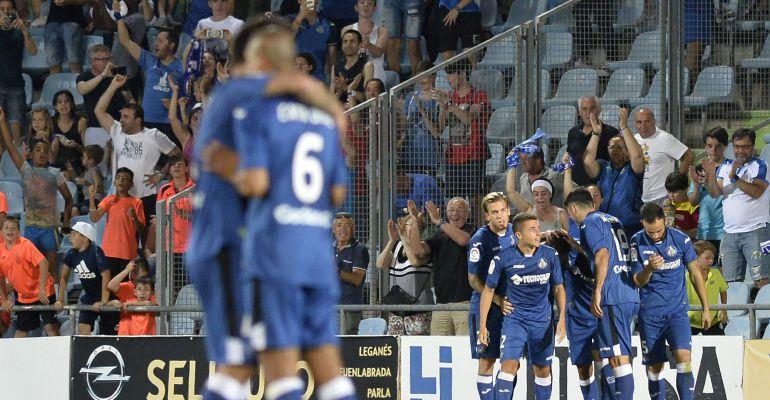 Los jugadores del Getafe celebran un gol en el Coliseum