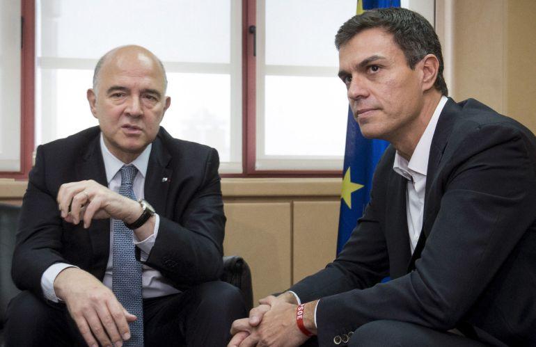 El secretario general del PSOE, Pedro Sánchez, durante el encuentro de trabajo con el comisario europeo de Asuntos Económicos y Financieros, Pierre Moscovici
