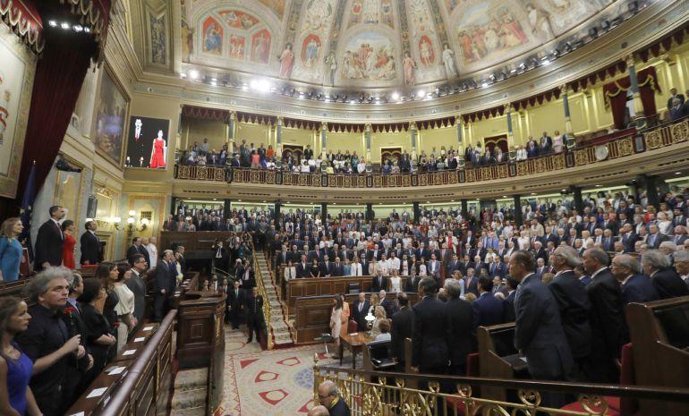 Los Reyes presiden la sesión solemne en conmemoración del 40 aniversario de las elecciones de 1977, en el Congreso de los Diputados