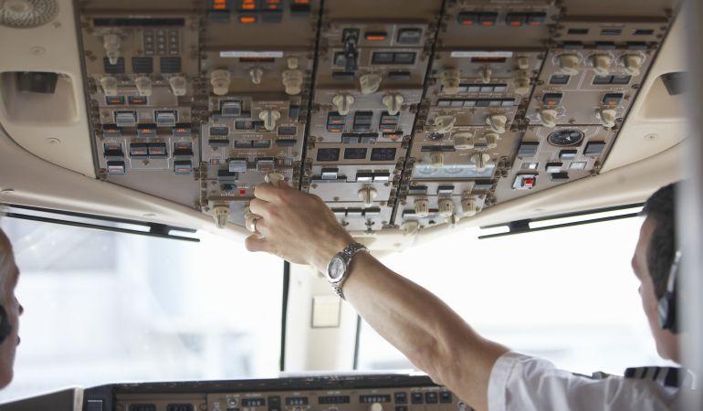 Los mayores de 65 años no podrán pilotar aviones comerciales de pasajeros.