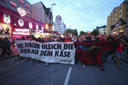 """""""Bienvenido al infierno"""" ha sido el lema de la marcha."""