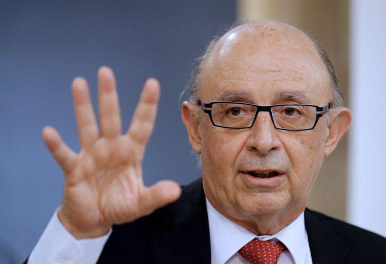 Cristóbal Montoro, durante la rueda de prensa posterior a la reunión del Consejo de Ministros