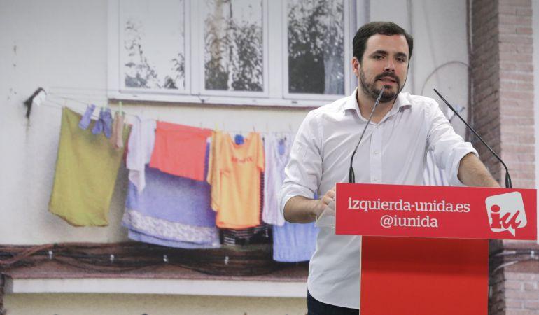 El coordinador federal de IU, Alberto Garzón, durante la rueda de prensa ofrecida en la sede del partido para tratar distintos temas de actualidad política.