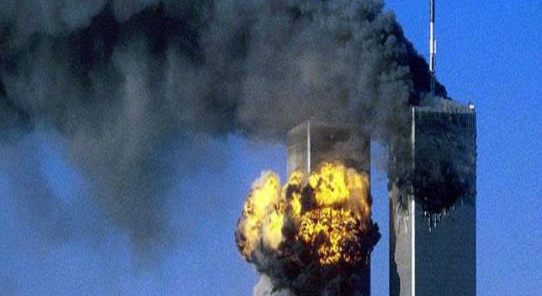 Atentado terrorista contra las Torres Gemelas de Nueva York el 11 de septiembre de 2001.