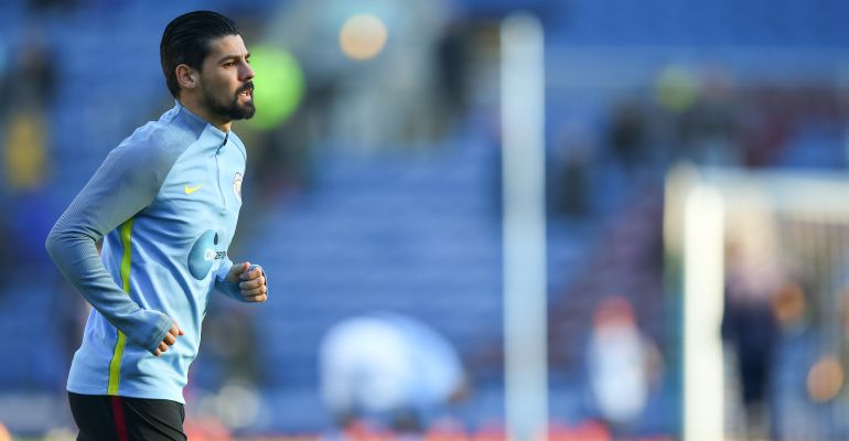 Nolito, durante un calentamiento con el Manchester City