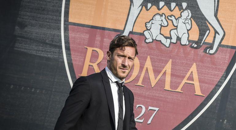 Francesco Totti, a su llegada a las instalaciones de la Roma antes de la entrevista