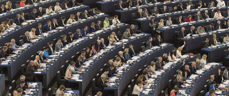 El Parlamento Europeo debe decidir cómo ocupar los escaños británicos.