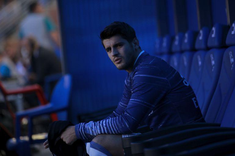 Morata, en el banquillo de Riazor en día que el Madrid visitó al Deportivo