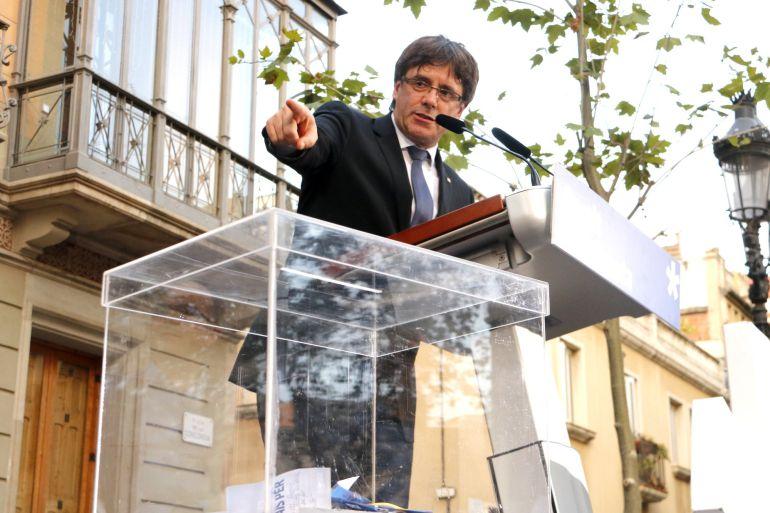 El presidente de la Generalitat, Carles Puigdemont, en un acto