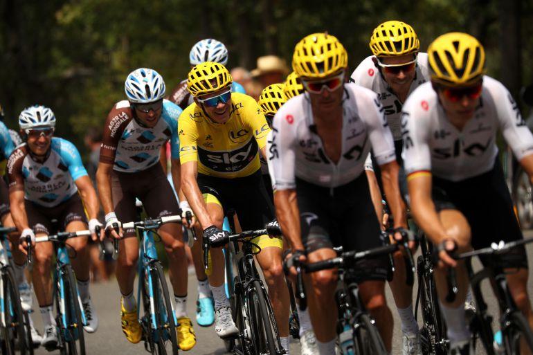 Los ciclistas durante una 19ª etapa