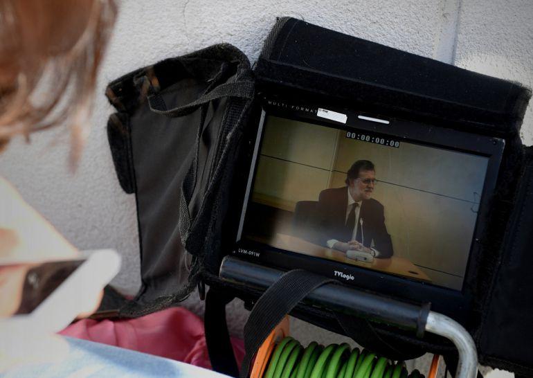Más de 300 periodistas de 83 medios de comunicación, 21 de ellos extranjeros, siguieron la declaración del presidente de Gobierno, Mariano Rajoy, como testigo en el juicio del caso Gürtel