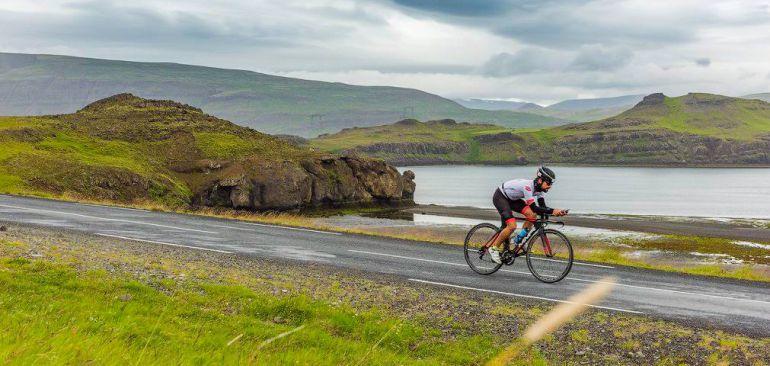 Una imagen del Challenge Iceland, el triatlón más al norte de todo el planeta