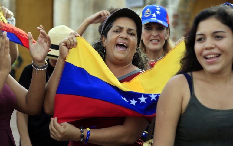 Un grupo de venezolanos residentes en Colombia protesta  contra de la elección de la Asamblea Nacional Constituyente (ANC)
