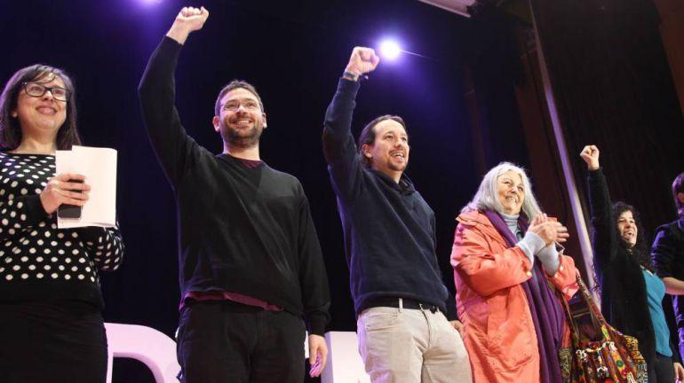 Pablo Iglesias, junto al secretario general de Podem, Albano Dante