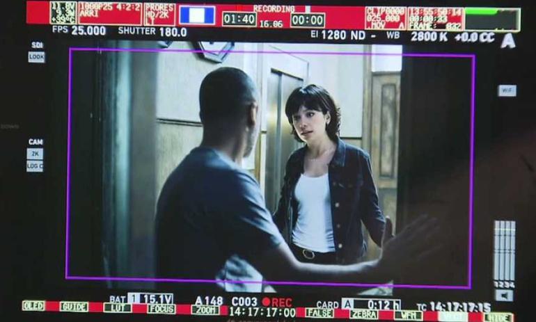 Javier Gutiérrez y Ana Castillo en el rodaje de 'Estoy vivo'