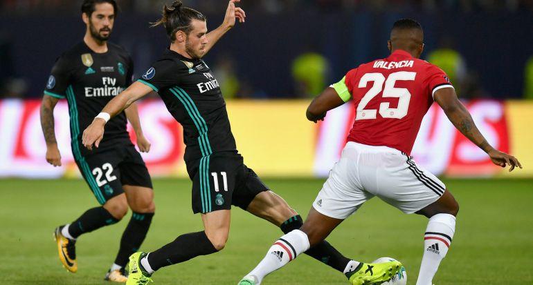 Bale lucha una pelota con Valencia en Skopje