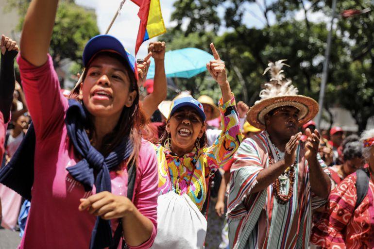 Simpatizantes del Gobierno participan en una manifestación en apoyo a la Constituyente