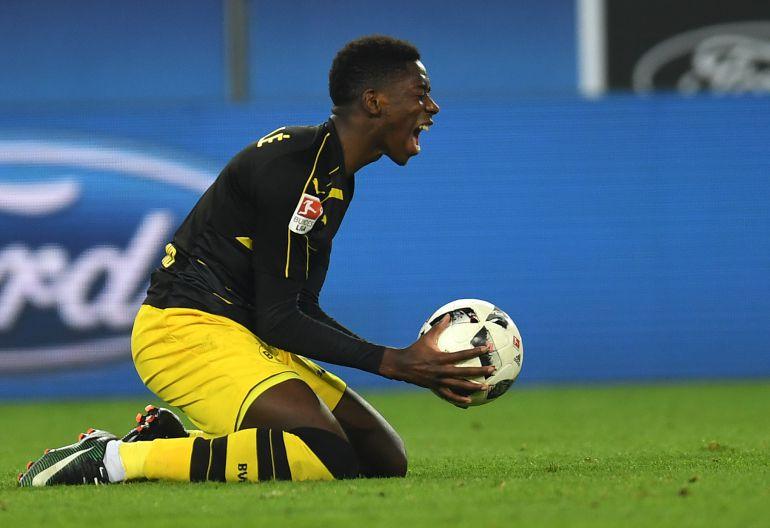 Dembelé, durante un partido con el Borussia
