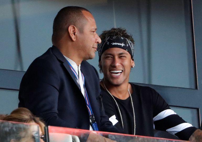 Neymar, junto a su padre