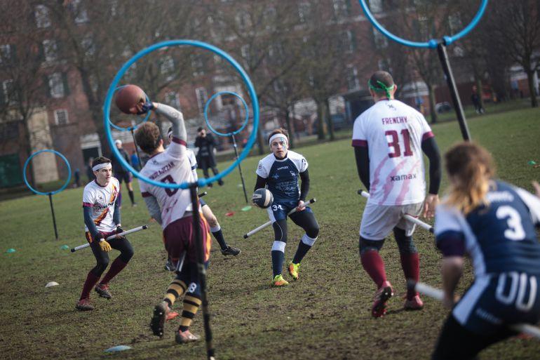 Momento de un partido de 'quidditch'.