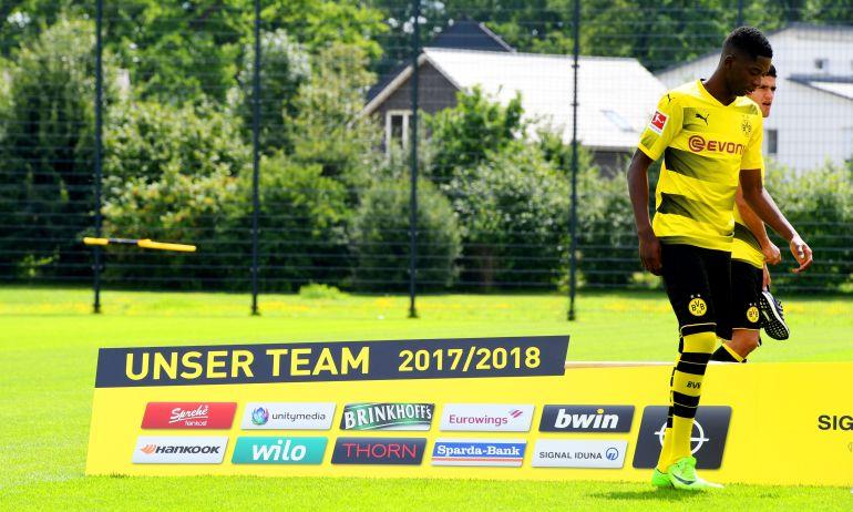 Dembelé,en la sesión de fotos de equipo del Borussia