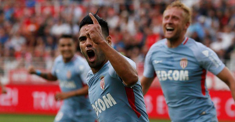 Falcao celebra uno de sus goles ante el Dijon en la segunda jornada de la liga francesa