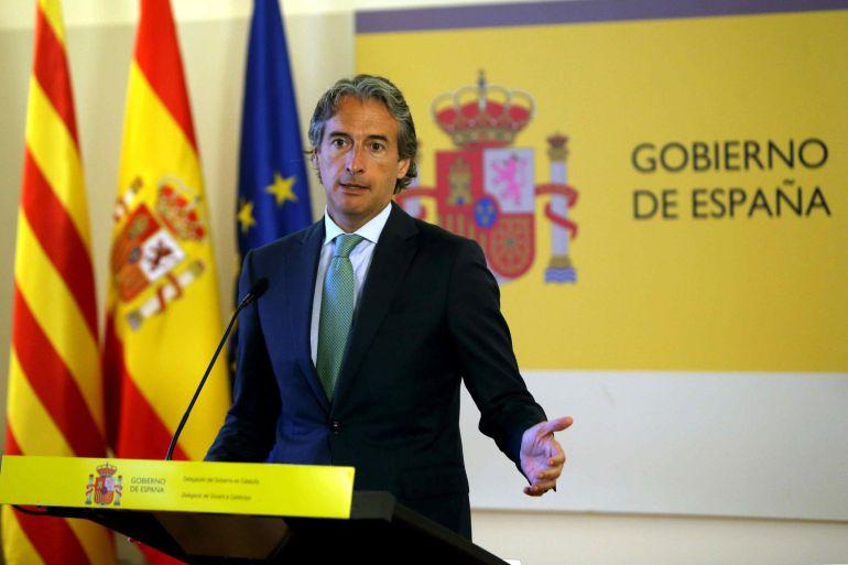 El ministro de Fomento, Íñigo de la Serna, durante la rueda de prensa